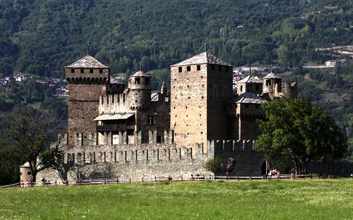 Fenis Castle long distance taxi route stop from Paris to Rome