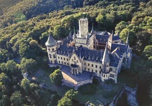 Marienburg Castle long distance taxi route stop from Paris to Berlin